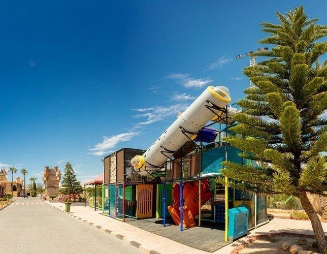 Parque infantil parque vacacional magic robin hood alfaz del pi