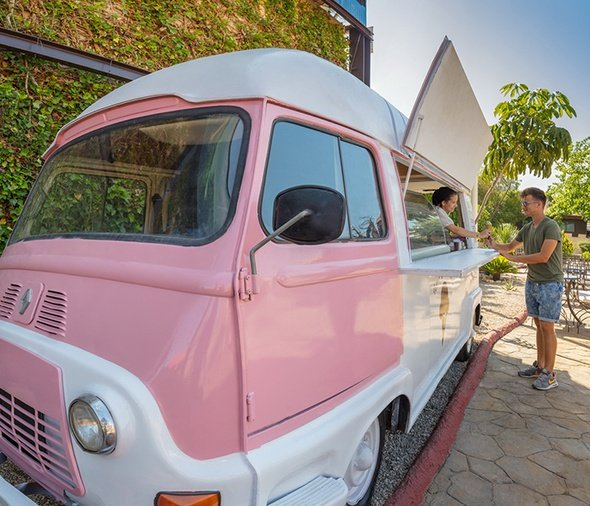 Food trucks & ice cream van parque vacacional magic robin hood alfaz del pi