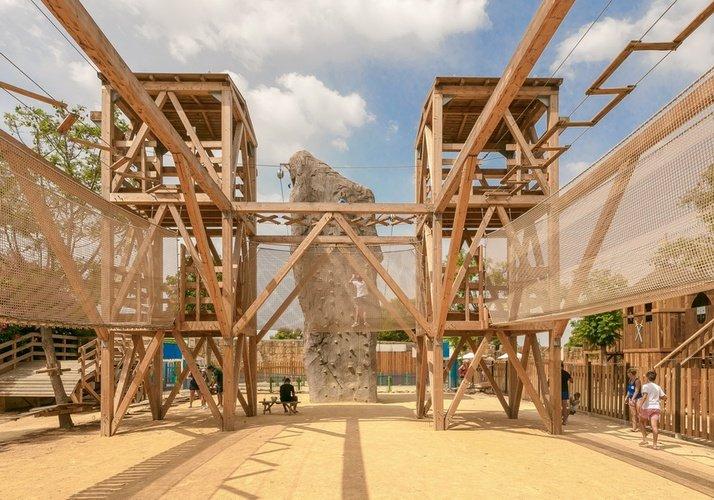 Multiaventura parque vacacional magic robin hood alfaz del pi