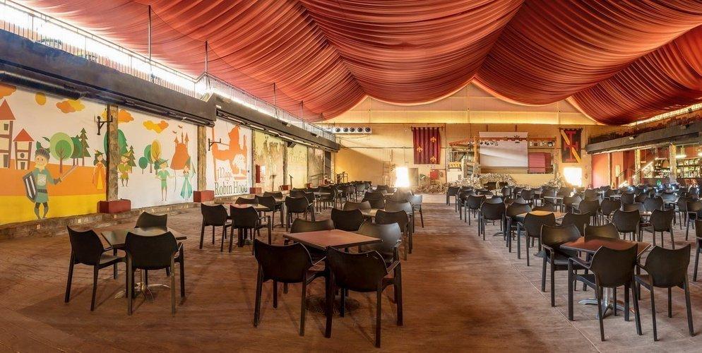 'Lady Marian Theatre', Bar-cafetería y zona de animación Parque Vacacional Magic Robin Hood Alfaz del Pi