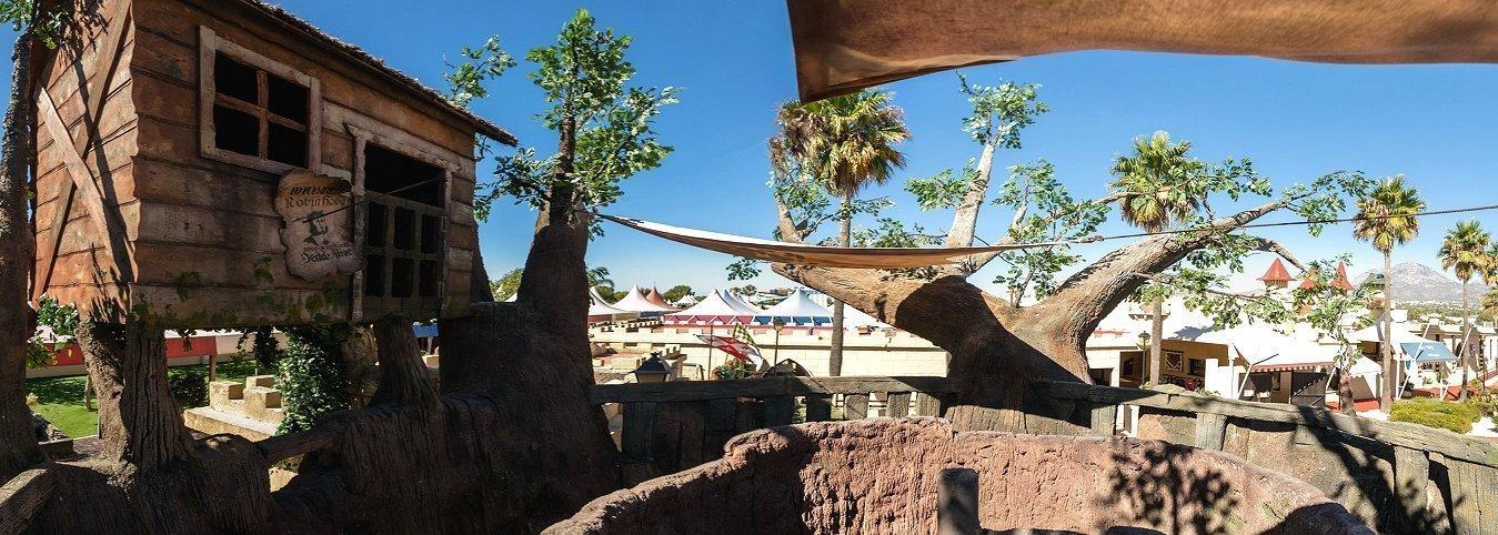 Los más pequeños disfrutarán en el 'Grand Oak Square' Parque de Vacaciones Magic Robin Hood